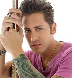 Hijo del popular cantante Yaco Monti lanza su propio disco rom�ntico