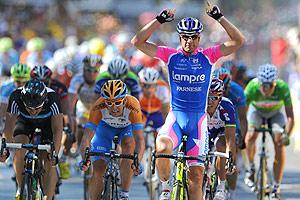 Petacchi gana la 4� etapa del Tour, pero Cancellara sigue como l�der de la general