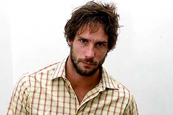 Gonzalo Valenzuela abandona la casa que compartía con Juana Viale