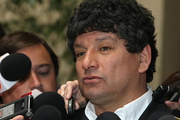 Ex ministro del interior niega la entrada a su predio a for Ex ministro del interior