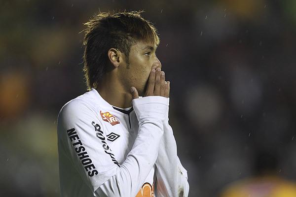 The Strongest sorprende al campe�n Santos por 2-1 en La Paz