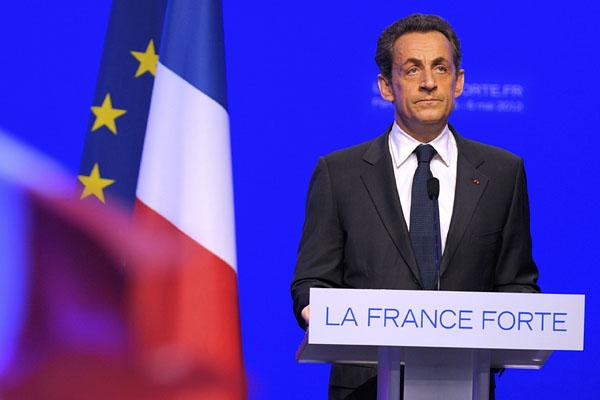 Sarkozy admite su derrota y le desea 'suerte' a Hollande