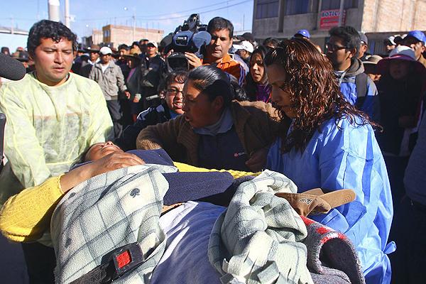 Muertos por enfrentamientos en protestas contra minera en Perú suben a cuatro