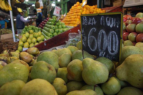 Ministro Mayol reitera llamado a cotizar los precios de alimentos tras cifras arrojadas por IPC