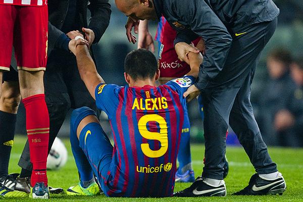 En Espa�a dicen que 'el virus FIFA' ataca al Barcelona por amistoso de S�nchez con la 'Roja'