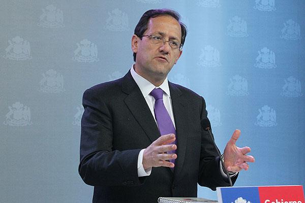 Beyer responde a críticas de rectores por balances financieros: 'No están acostumbrados a rendir cuentas'