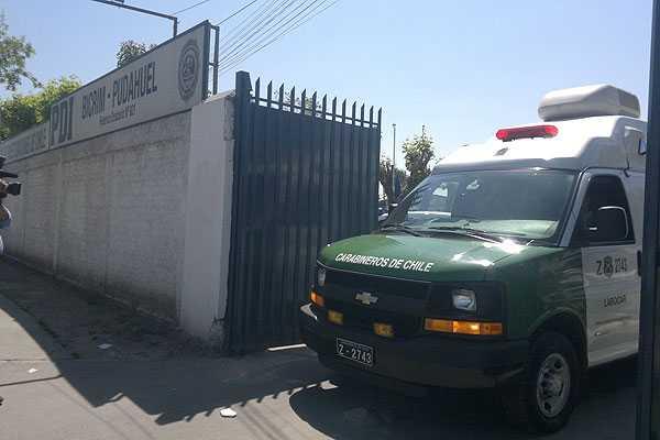 Carabineros detiene a 10 miembros de la PDI en operativo en dos cuarteles