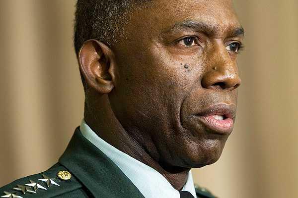 Otro escándalo involucra a alto jefe militar en EE.UU.: Lo acusan de usar fondos para viajar