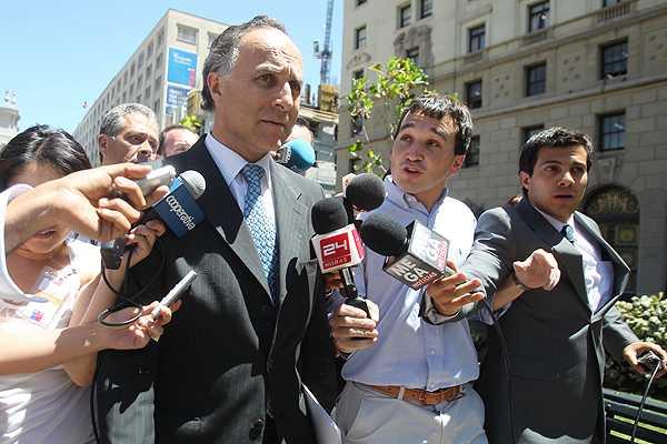 Caso CNA: Ribera deja La Moneda sin confirmar su salida del cargo tras cuestionamientos