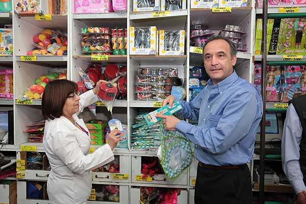 Intendencia y Salud entregan recomendaciones para las compras navide�as