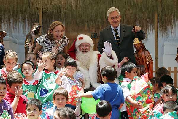 Presidente Pi�era llama a enfrentar el 2013 con esp�ritu de unidad