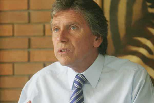 Atentados en la Araucan�a: Senador Espina repudi� los hechos y los calific� de terroristas