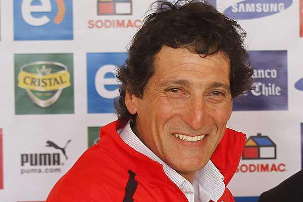 Mario Salas reconoce que es 'muy dif�cil' que Henr�quez juegue el Sudamericano sub 20