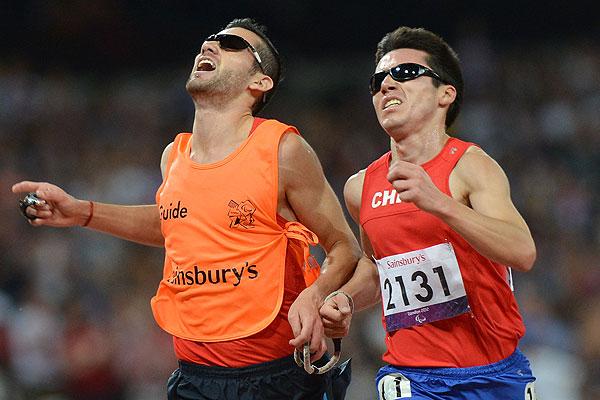 7 de septiembre: Cristi�n Valenzuela gana el oro en los Juegos Paral�mpicos.