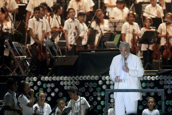 Pl�cido Domingo finaliza el a�o con un concierto ben�fico