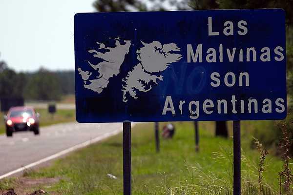 Argentina repudia 'amenazas militaristas' de Cameron por las Falklands
