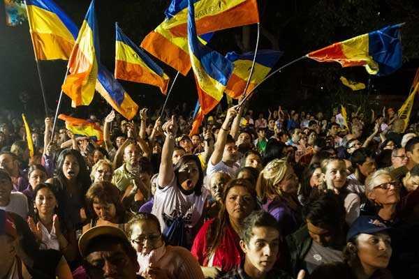 Oposici�n: L�der del Parlamento debe asumir si Ch�vez no est� en condiciones