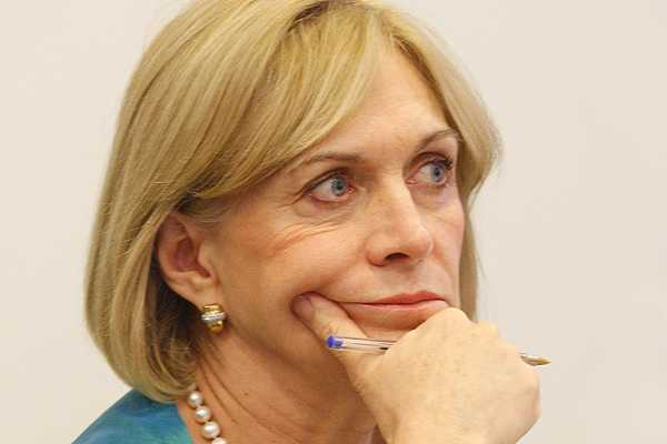Matthei desliza cr�tica a la UDI por ofensiva contra Ra�l Castro: Buscan hacer ruido