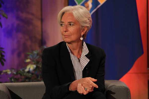 Directorio del FMI emite in�dita moci�n de censura contra Argentina