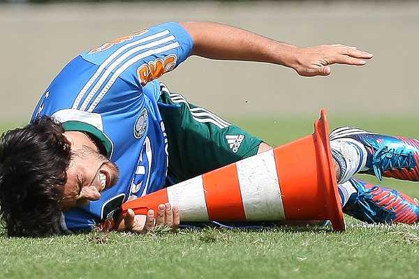 Palmeiras analiza fichar a un volante de creaci�n tras nueva lesi�n de Jorge Valdivia