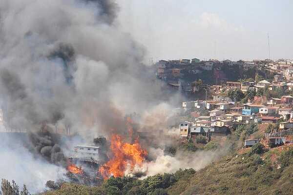 Fin de actualizaci�n: Gran incendio afect� a Valpara�so