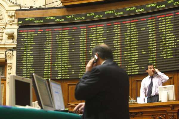 Bolsa de Santiago cierra estable en l�nea con los mercados internacionales