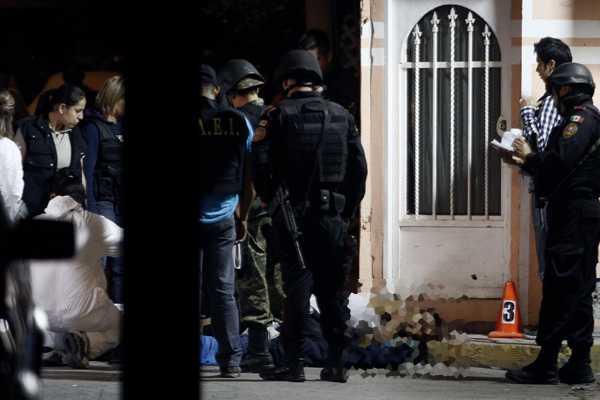 Descubren los cuerpos de ocho personas asesinadas en M�xico
