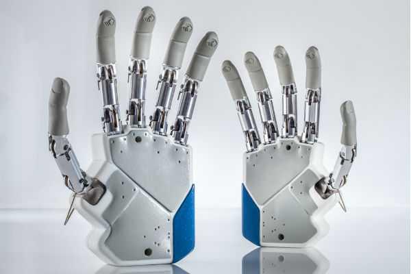 Crean la primera mano bi�nica que otorga una real percepci�n sensorial