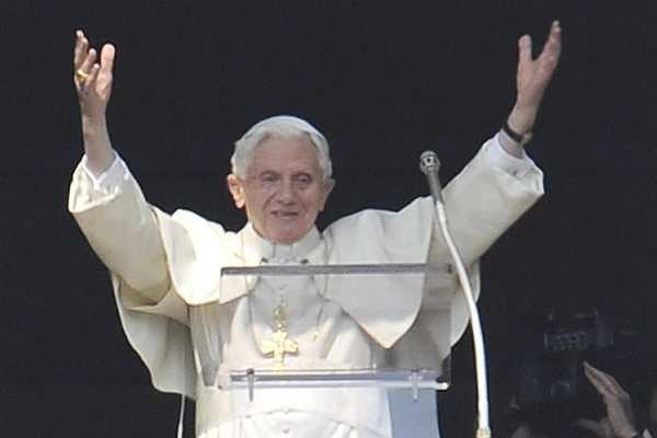 Roma se prepara para el �ltimo �ngelus de Benedicto XVI de este domingo