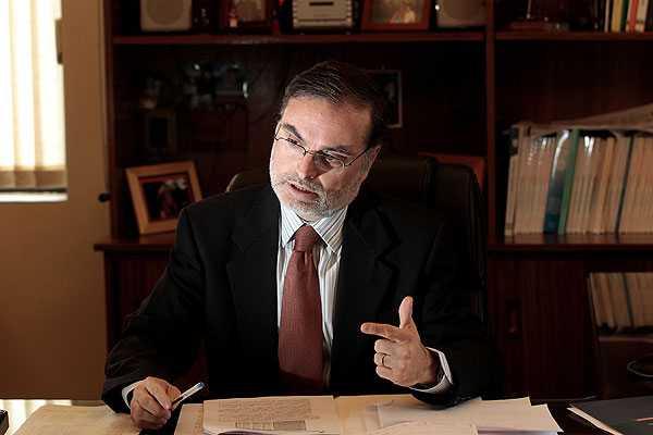 Gobierno confirma en su cargo al director del Servicio de Impuestos Internos