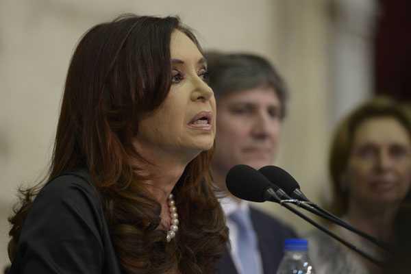 Presidenta argentina calific� como 'parodia' refer�ndum en Malvinas