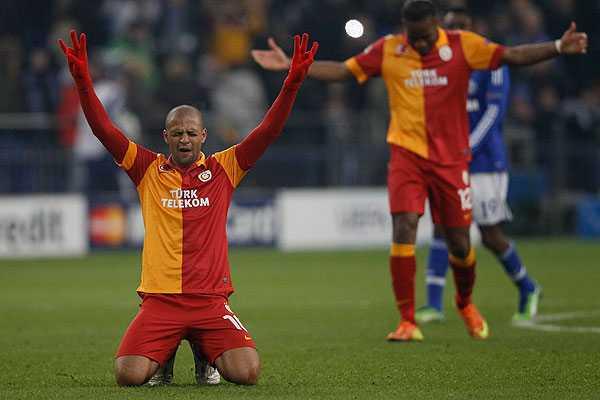 Galatasaray da la sorpresa en Alemania al vencer al Schalke y avanzar en la Champions