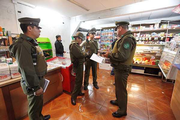 Due�o de minimarket repeli� a balazos a banda de asaltantes