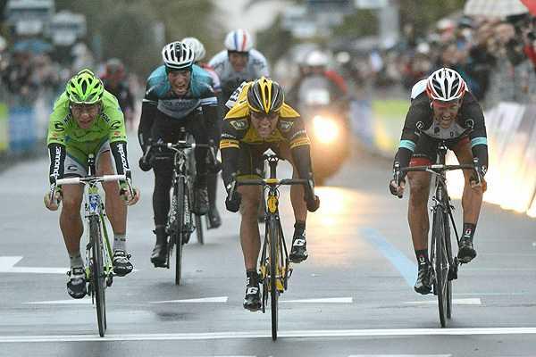 Ciclismo: Ciolek gana una cl�sica Mil�n-San Remo acortada por la nieve