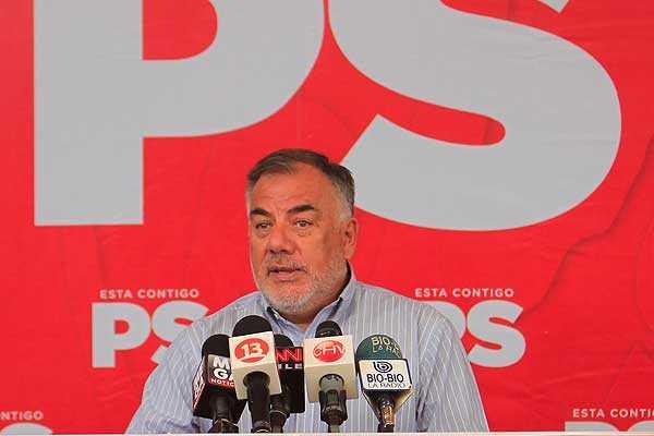 Andrade y retorno de Bachelet: 'Tendr� que escuchar a los movimientos sociales'