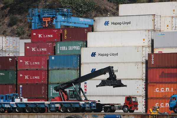 Pi�era anuncia el fin del paro de portuarios
