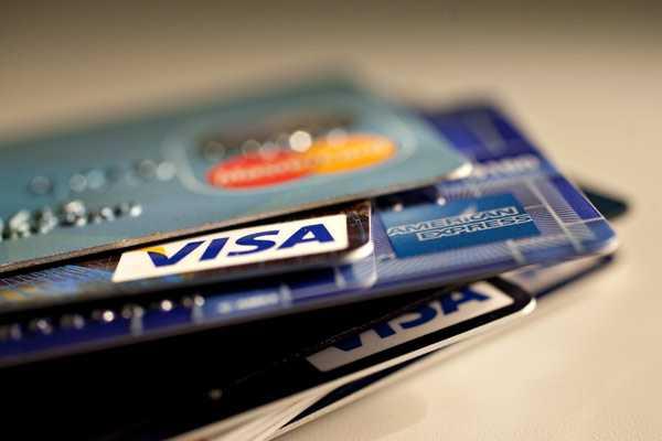 Tarjetas bancarias en Chile: Seguras, pero con nula competencia