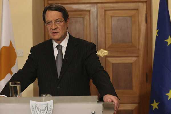 Presidente chipriota anuncia que pedir� m�s ayuda a Europa por cr�tico periodo econ�mico