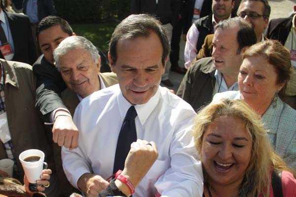 Allamand responde a Bachelet: No prometemos aquello que no hacemos cuando gobernamos