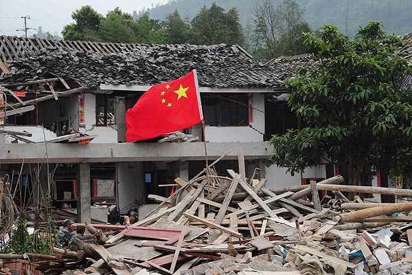 China inicia la dura tarea de ayudar a los afectados por el terremoto del s�bado