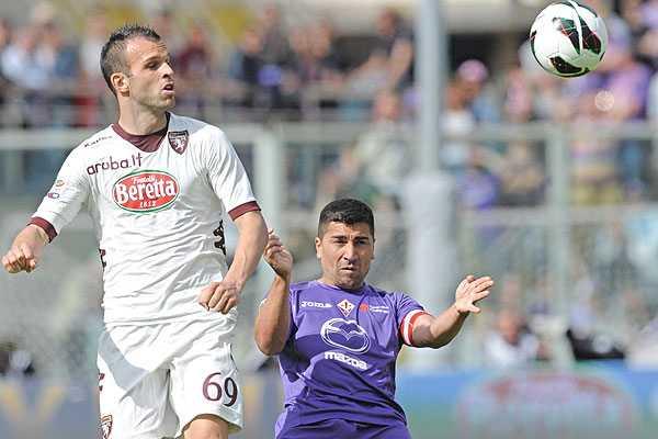 Pizarro y Fern�ndez participaron en emocionante triunfo de la Fiorentina en Italia