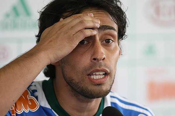 Nuevo problema para Sampaoli: Valdivia confirma que no estar� en amistoso ante Brasil