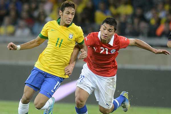 La f�rmula Sampaoli dio resultado y Chile empat� con Brasil