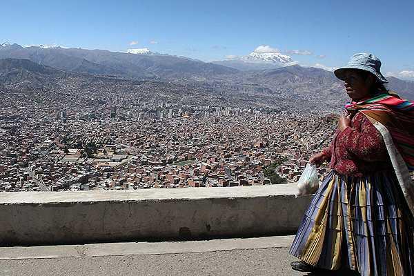 Central sindical boliviana llama a huelga para el lunes 6 de mayo