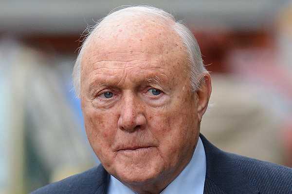 Veterano rostro de la BBC se declar� culpable de abusar de menores