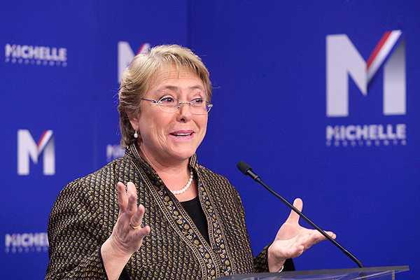 Bachelet y decisi�n de Velasco de participar en primarias: 'Espero que la tome pronto'