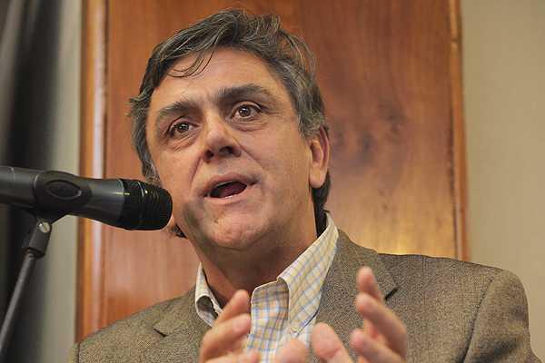 Pablo Longueira: 'Vamos a convocar a la mayor�a silenciosa'