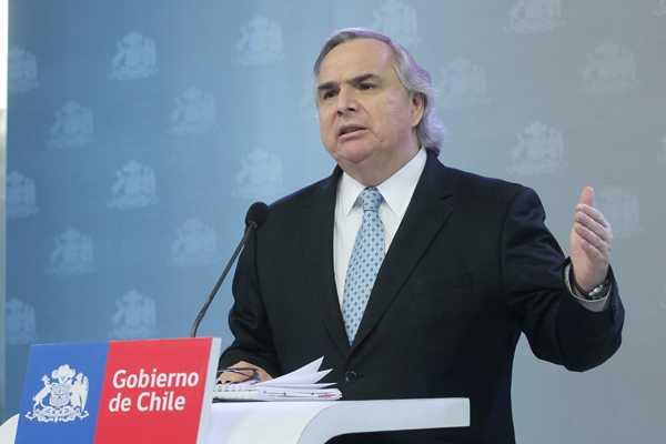 Gobierno pide a parlamentarios mayor celeridad para aumentar penas a encapuchados