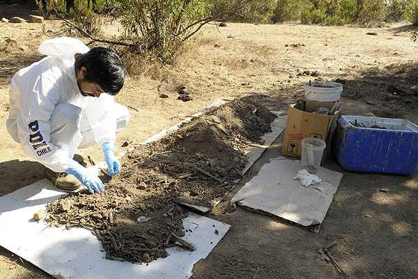 Secta de Colliguay: SML busca m�s restos �seos de beb� en tierra extra�da desde fundo