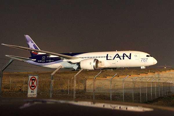 LAN cancela hasta ma�ana vuelos a Argentina por problemas con empresa estatal